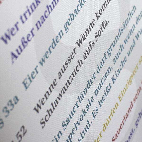 Das Sauerländer Grundgesetz gedruckt auf Keilrahmen.