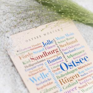 Die Postkarte mit dem Motiv Ostsee Wörter.