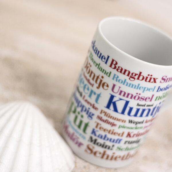Tasse mit Ostfriesischem Dialekt.